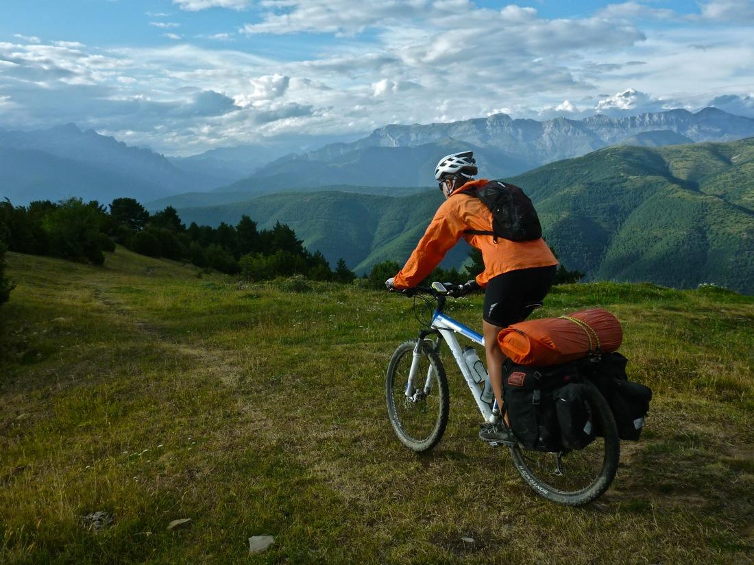Alta Ruta transPirenaica en mountain bike I CONUNPARDERUEDAS.com