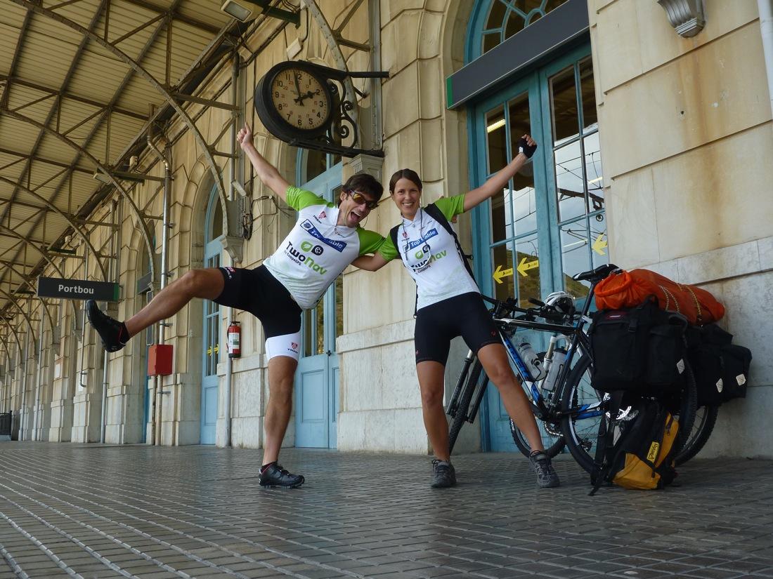 Km 0: Estación de tren de Portbou. TransAlpes MTB I CONUNPARDERUEDAS.com